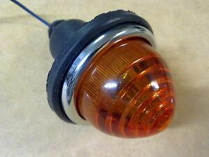 vintage plastic amber LIGHT INDICATOR Austin a50 a55 a60 a70 a125 1100 1300