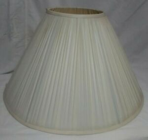 Cream Pleated Empire Lamp Shade 10in H.