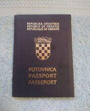 CROATIA 1992 - 2002 Expired passport - not damaged during cancellation