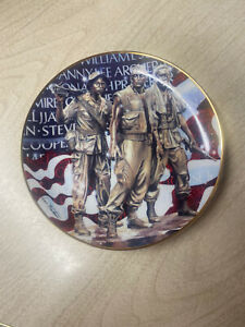 The Official Friends of the Vietnam Veterans Memorial Plate Franklin Mint