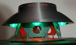 The Invaders UFO/Flying Saucer - Large - Landed With Stand & lights