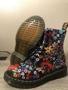 Dr. Doc Martens Women's 1460 Pascal Wanderlust CottageCore Boot Size US 5 RARE
