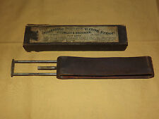 VINTAGE BARBER  J CURLEY & BROTHER RUSSIA LEATHER RAZOR STROP IN BOX