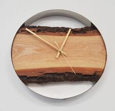 Wanduhr aus Holz. Handgefertigt. Durchmesser 30 cm