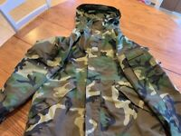 U.S. ARMY GORE-TEX PARKA, COLD WEATHER, CAMOUFLAGE, ECWCS LARGE-REGULAR, Nice!!!