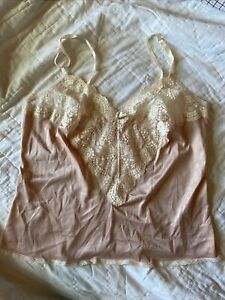 vassarette Cami Size Med (36)  Off Pink And Lace Rayon