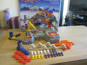 VINTAGE BLUEBIRD MANTA FORCE BATTLE FORTRESS 99% COMPLETE BOXED
