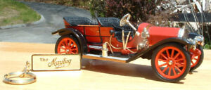 1910 MAYTAG MODEL F CAR 1/25TH SCALE WITH GOLD KEY CHAIN & CERT. OF AUTHENTICITY
