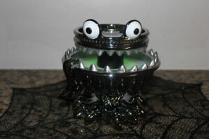 Bath & Body works Monster Light Up Pedestal 3wick candle~NWT~Halloween 2021~