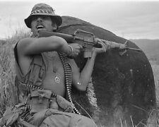 "Squad Leader warns of Sniper Fire 8""x 10"" Vietnam War Photo 253"