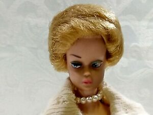 Vintage Mattel 1962 Midge Barbie with 3 Wigs
