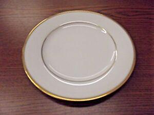 SET OF 8 Princess House Fine China Princess Heritage Dessert Plates Gold Trim.