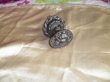Poignée ancienne ronde en fonte avec sa rosace début 20ème