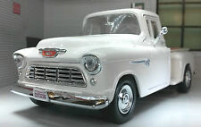 G LGB 1:24 Scale 1955 Chevy Chevrolet Stepside Pickup Diecast  Model 73236 white
