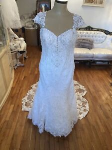 """#362 Suttero And Midgley Wedding Gown Sz16 Preowned With Veil """"Stella""""."""