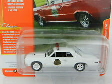 2017 Johnny Lightning *CLASSIC GOLD 1C* WHITE 1965 Pontic GTO Police Car *NIP*