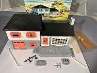 Plasticville #1908 Split Level with 1959 Original Box