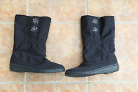 Ladies black snowflake blizzard Boots Water/Wind Proof UK Size 8