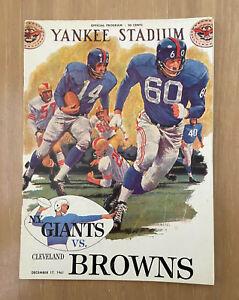 VINTAGE 1961 NFL CLEVELAND BROWNS @ NEW YORK GIANTS FOOTBALL PROGRAM - DEC 17