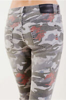 True Religion Women' Halle Super Skinny Jeans in Camo Floral (Size 23, 24, 25)