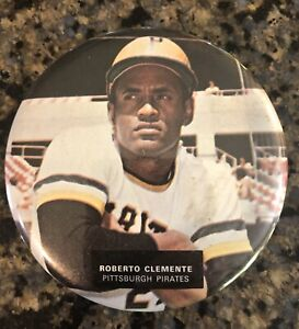 Roberto Clemente Vintage Pittsburgh Pirates Pin back Button