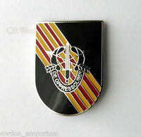 UNITED STATES ARMY SPECIAL FORCES DELTA FLASH OPPRESSO LIBER LAPEL PIN BADGE 1 ""