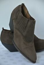NEW Zodiac Dazey Womens Sz 9 M Brown Suede Leather Ankle Bootie Boots