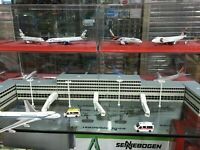 Newspeed 1/400 Airport Scene Terminal Building Aircraft Bridge Street Lamp Model