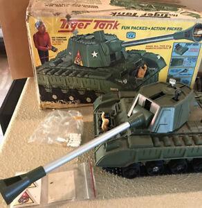 Deluxe Reading 1966 Topper Tiger Remote Control Tank with Original Box 5021