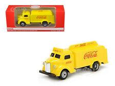 1947 COCA COLA DELIVERY BOTTLE TRUCK YELLOW 1/87 HO SCALE MODEL BY MCC 439954