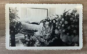 RARE! ANTIQUE/ VINTAGE OPEN CASKET FUNERAL HOME POST MORTEM PHOTO: GRANDMA
