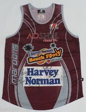 BRAND NEW 2006 QUEENSLAND MAROONS BEACH FOOTY SINGLET SIGNED MEDIUM RARE! QLD