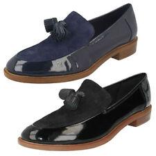 Zapatos planos de mujer mocasines Clarks de charol