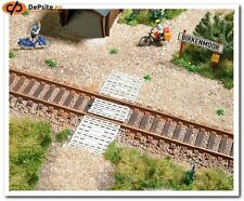 BUSCH HO scale ~ CONCRETE RAILWAY CROSSING ~ RAILWAY ACCESSORIES # 1107