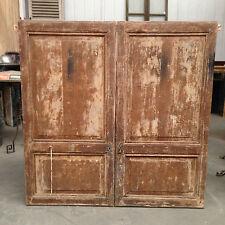 double portes de placard en sapin massif comportant ferronerie XIX siècle