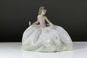 Lladro At The Ball Figurine #5859 AD2