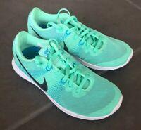 Nike Fury Women's Mint green Athletic running Shoes Sz 5