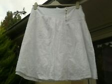 Jupe blanche broderie anglaise