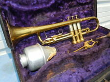 """Vintage Buescher """"The 400"""" Trumpet Model 225 1940's Case,Mouthpiece and Mute"""