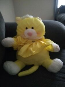 FISHER PRICE VINTAGE 1986 PUFFALUMP ~ YELLOW CAT WITH DRESS