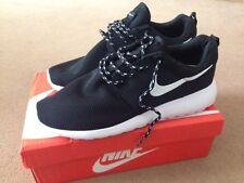 Nike Mens Roshe Run Trainers Shoes Size UK10 Black