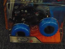 2016 Monster Jam Truck SON-UVA-DIGGER with Blue Color Treads with Stunt Ramp