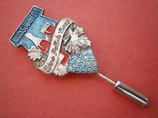 K683) Vintage Wijnsocieteit Wine Society Vino Logo tie lapel stick pin badge