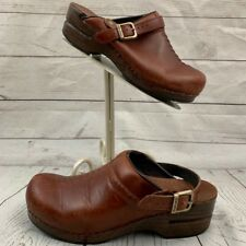 Dansko 39 US 8.5-9 brown leather slip on buckle strap clogs