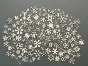 100 x die cut  SNOWFLAKES  various sizes - ideal for Christmas cards / toppers