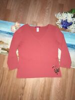 AK Anne Klein Women's 3/4 Sleeves Coral Knit V- Neck Top Blouse Size M - EUC