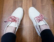 Women canvans shoes size 6 with tag White/beige