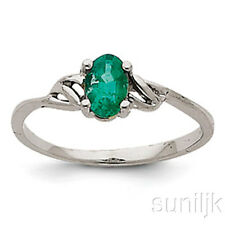 White Gold Emerald Beautiful Ring 14K
