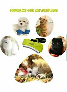 Curved Deshedding Tool with Fur Remove Button - Small to Medium Pets (Small-76mm