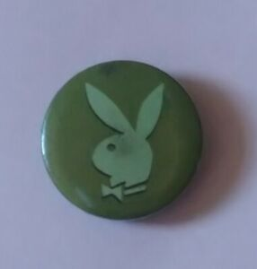 PLAYBOY CLASSIC OLIVE GREEN BUNNY EARS BOW TIE LOGO SMALL ROUND PIN BADGE HEFNER